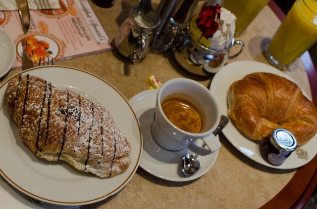English breakfast à la française